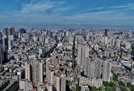 登上熊猫塔眺望成都天际线