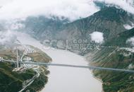 川藏第一桥完成桥面施工
