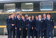 川渝地区最后的绿皮双层火车