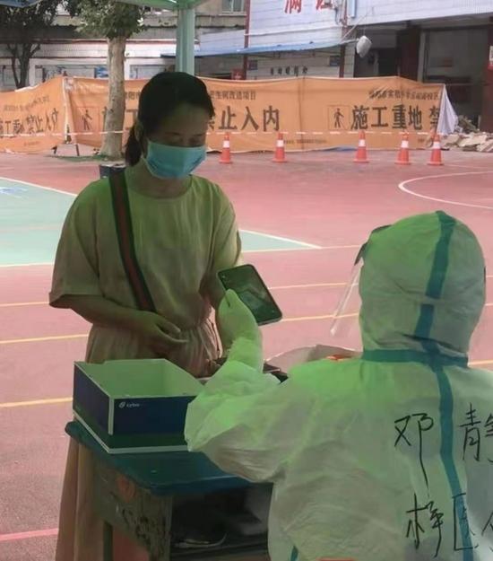 助力疫情防控 记者探访四川省核酸检测信息系统