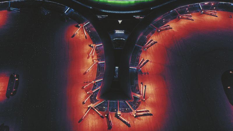 星河璀璨夜 神鸟舞九天——夜幕中的成都天府国际机场
