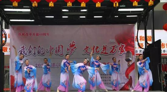 文化惠民演出走进河东新区