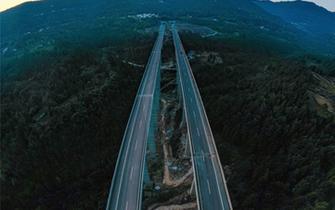 巴万高速公路通江段10日开通