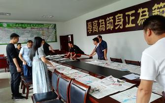 四川德昌:孩子们用一幅幅手抄报宣传禁毒防艾