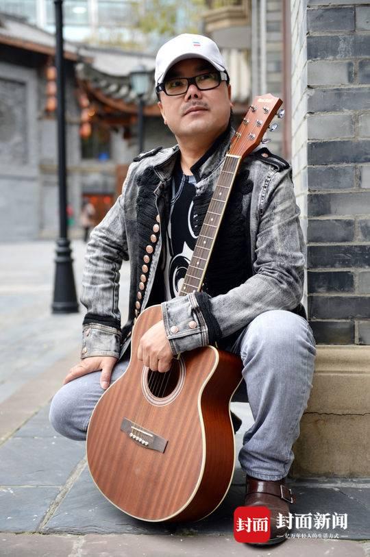 著名音乐策划人、词曲作者、歌手亚西