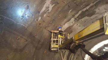 亚洲在建最长双线合修隧道在松潘