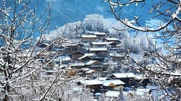 太美了!九寨沟县迎10年来入春最大降雪