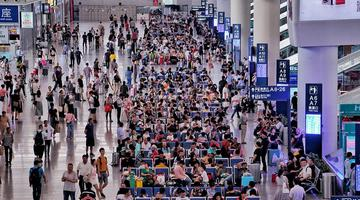 28萬人選擇暑運首日乘火車出行