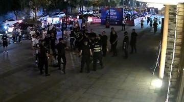 男子酒后邀朋友打保安 双方11人被行拘