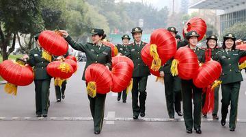 春节临近 四川的这群女兵这样迎新春