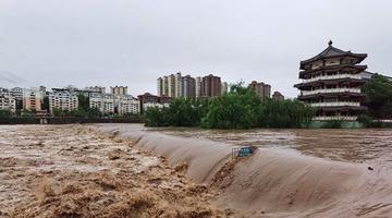 广元遭遇暴雨袭击