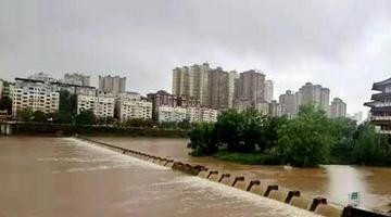 四川遭遇強降雨 提前疏散轉移8萬多人