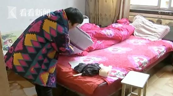 安徽女子床上睡着陌生男人 竟是小偷行窃后睡着了