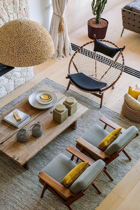 木质座椅 图片来源自Pinterest@ Indre Bra