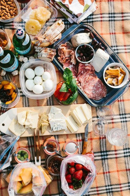 野餐垫 图片来源自Katie Blitzer