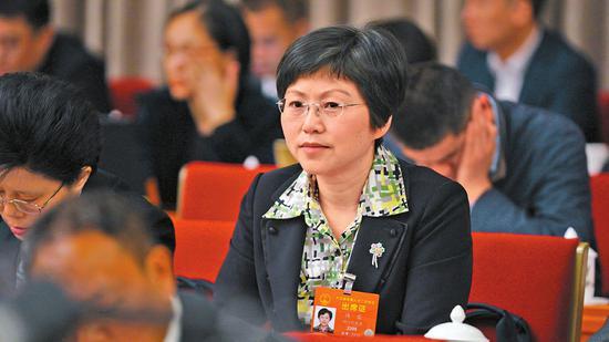 全国人大代表、成都大熊猫繁育研究基地研究中心主任侯蓉。