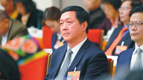 全国人大代表、中国科学院院士、歼20飞机总设计师杨伟。