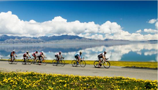 环赛里木湖公路自行车赛