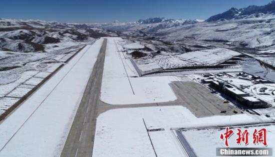 四川甘孜格萨尔机场建设进展顺利