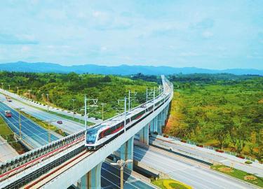 轨道交通18号线通向天府国际机场。陶柯摄