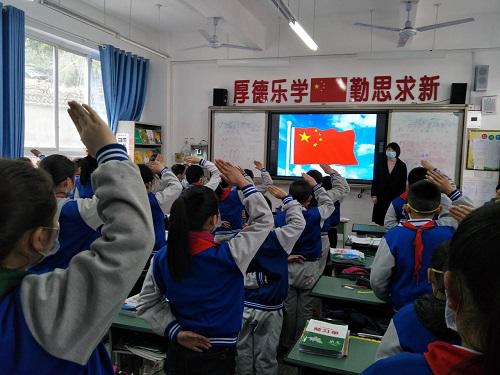 宝兴县各校园有序全面开学复课