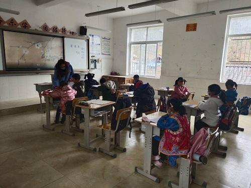 硗碛藏族小学开学第一课