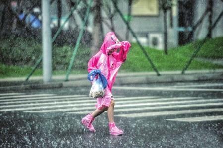 暴雨天气外出需要注意啥