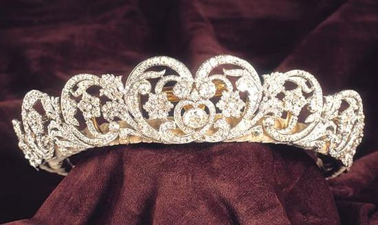 The-Spencer-Tiara