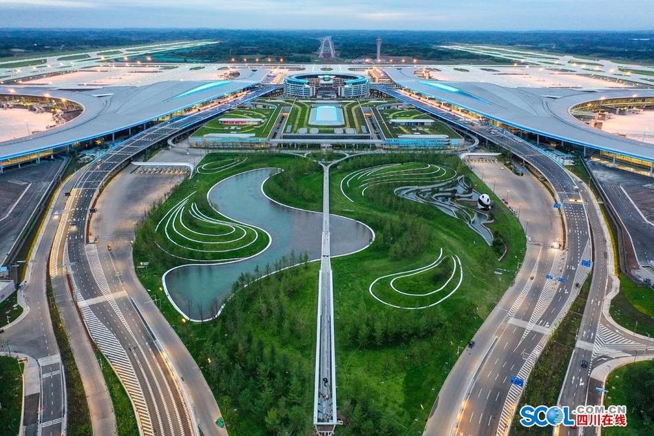 每一帧都绝美!这就是天府国际机场的完美曲线