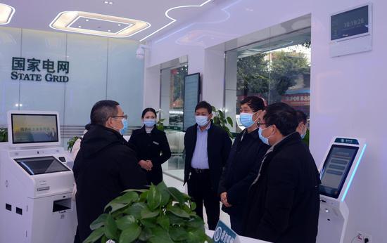 凉山州人大常委会副主任卢强到德昌县宣讲工作
