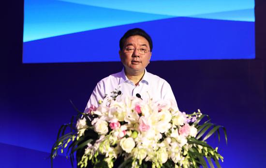 四川省国资委党委书记、主任徐进出席会议并作重要讲话