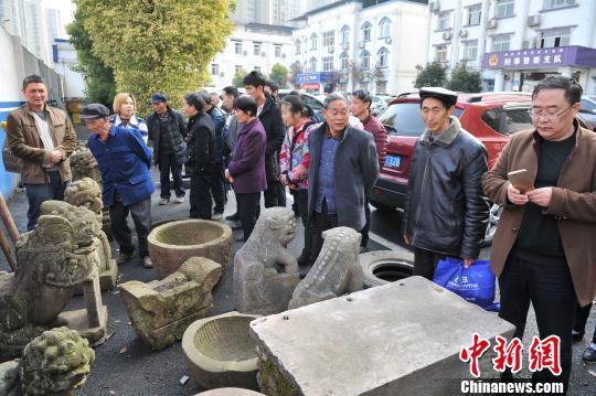 重庆警方破获系列跨省文物盗窃案 追回被盗文物24件