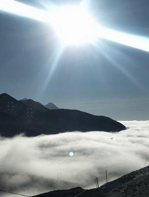 海拔4000多米折多山 云海景观壮美多姿