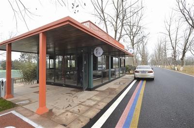 创客 咖啡屋   摄于2018年2月4日,成都天府新区鹿溪智谷创客绿道。   作者 王天志