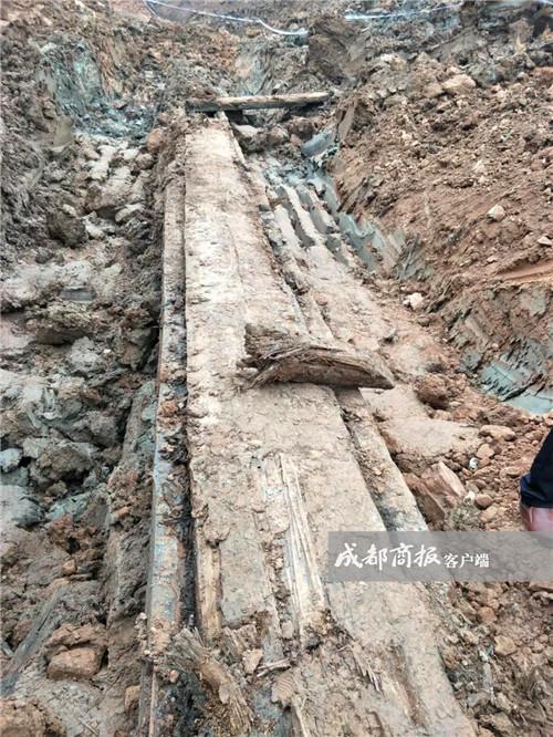 ▲遂宁蓬溪挖出神秘古墓葬