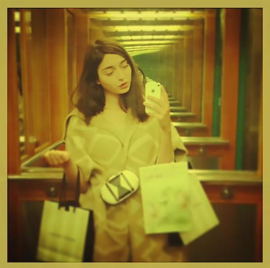 """艾玛利亚·乌尔曼,""""卓越与完美""""系列,图片来自Instagram"""