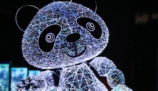 惊艳世界 熊猫木偶巨匠载誉归来