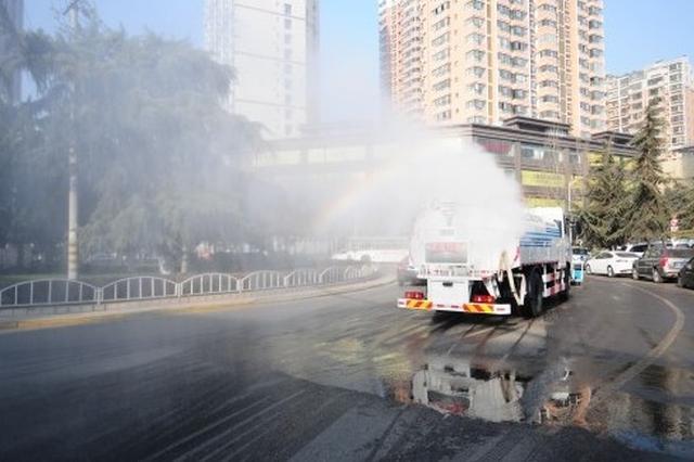 除尘降霾 成都启动四大工地周边扬尘管控大检查