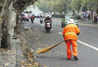 成都5万余名环卫工人春节坚守工作岗位 守护城市洁净