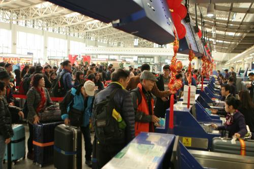 出行旅客注意!今日国内多家机场发布航班延误预警