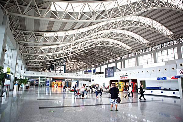 成都海关:今年全力支持成都空港开通更多国际航线