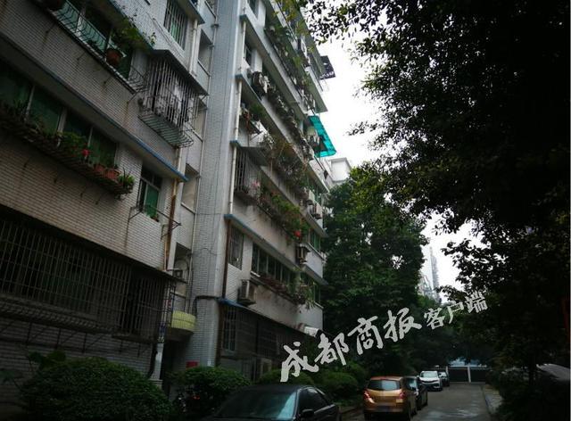 内江部分老旧小区将免费安装公交电梯 住户搭乘才付费