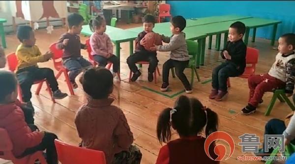 陈庄镇中心幼儿园玩转冬季室内体育活动
