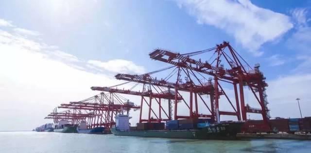 """山东港口上半年实现""""三增长"""" 货物吞吐量破7亿吨"""