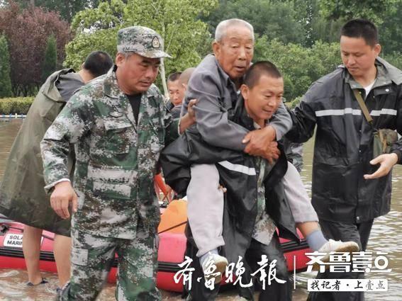 点赞 山东3000余支青年志愿者队伍奋战救灾一线