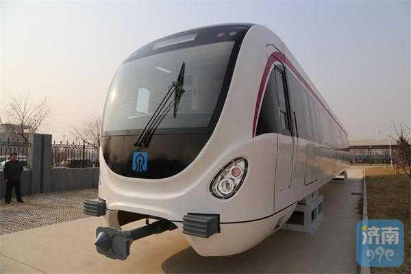 济南第一辆R1线列车即将到货,请注意查收