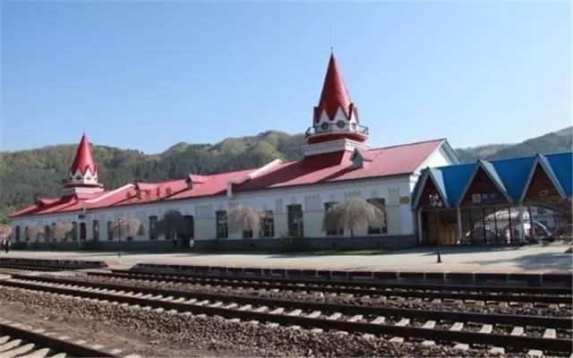 盘点中国最美的十个火车站