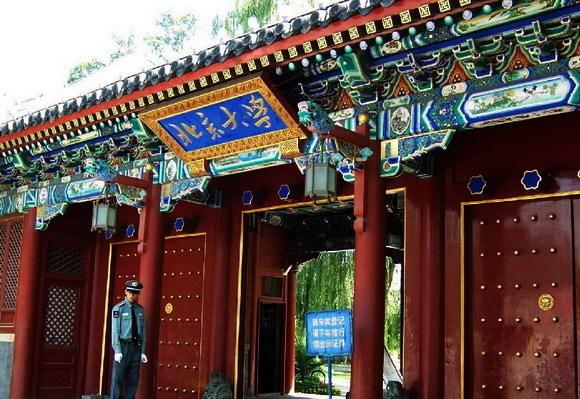 盘点中国50所最美的大学校门