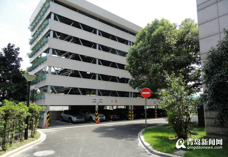 青岛西海岸现15层塔式停车库 一个车位能停10辆车
