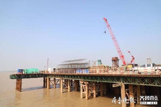 【四不两直】复工了!记者带你探访滨州黄河大桥建设最新进展
